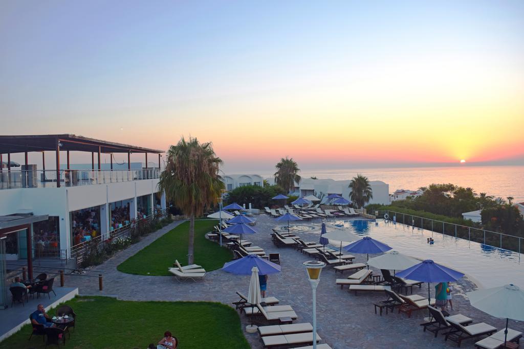 Theo Sunset Bay Holiday Village 4★ Travelhit Reisib 252 Roo